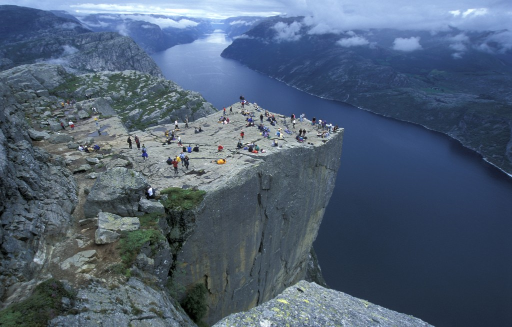 Preikestolen-in-Stavanger-Pulpit-Rock--062003-99-1083